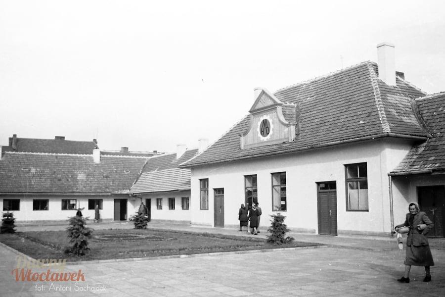 Dawny Włocławek - dawna hala MHD, Zielony Rynek