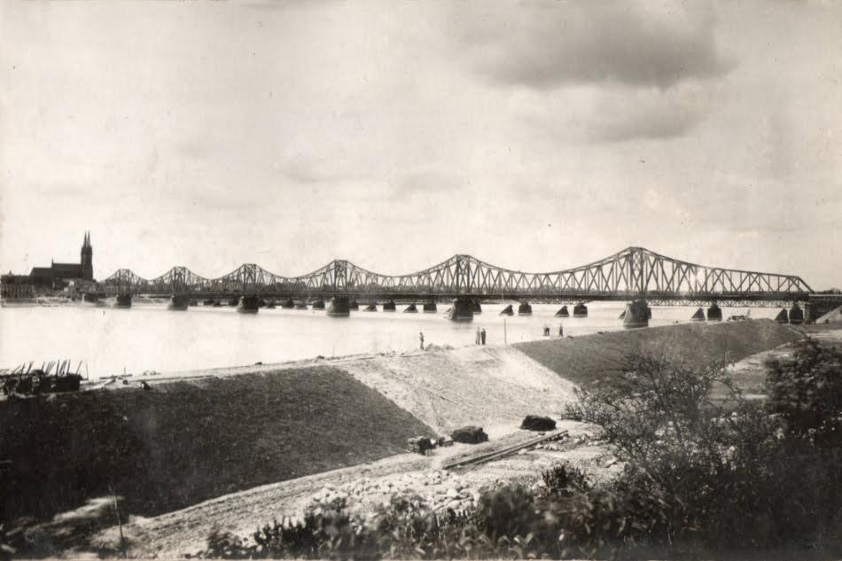 Budowa wałów w Szpetalu Dolnym